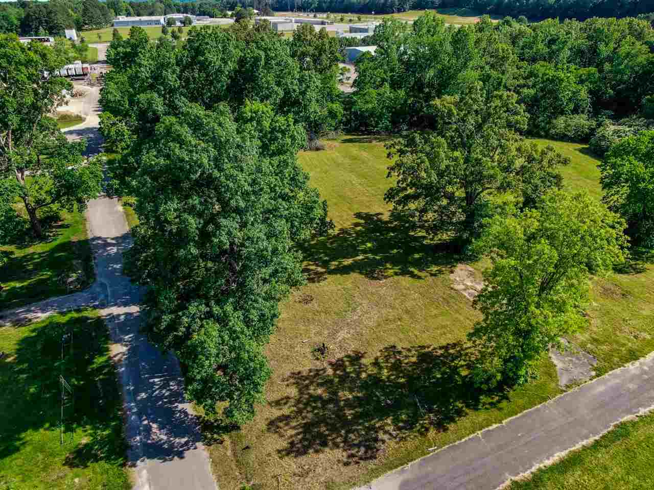 S Florida Property Photo - Parsons, TN real estate listing