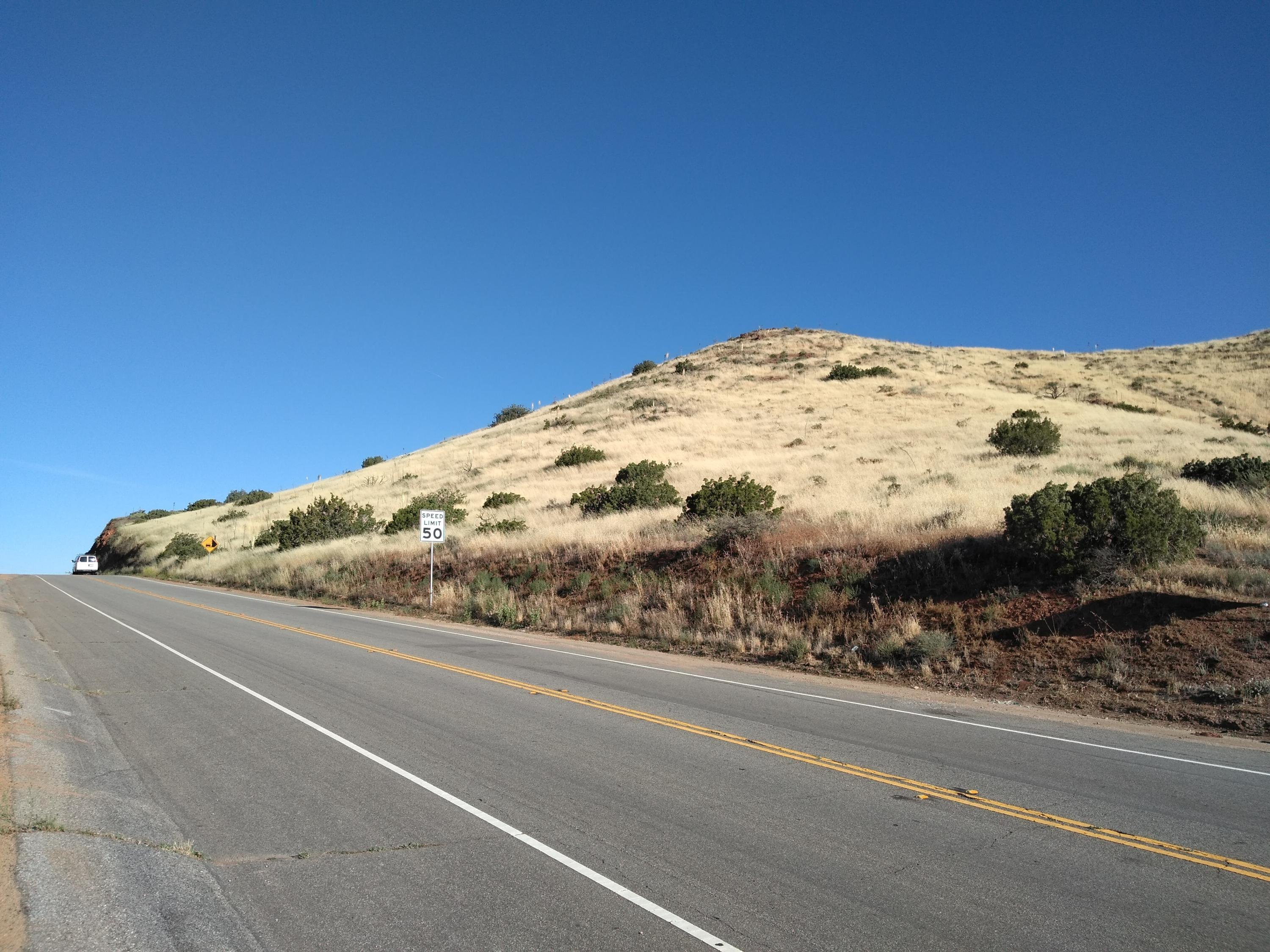Escondido Canyon Rd Property Photo - Agua Dulce, CA real estate listing