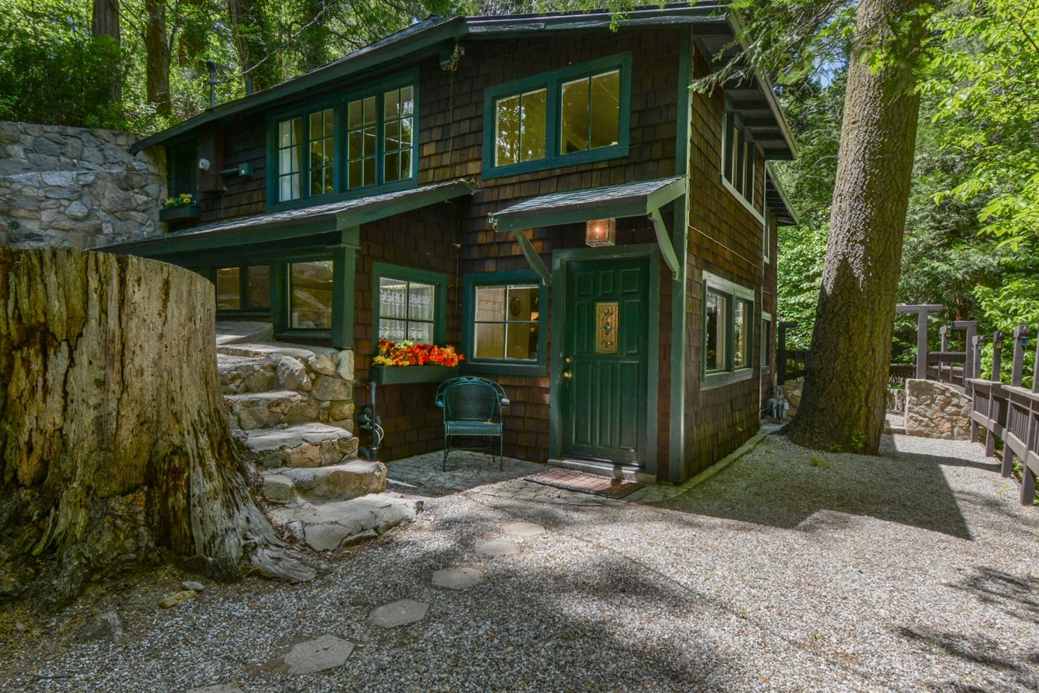 560 Cottage Grove Road Property Photo - Lake Arrowhead, CA real estate listing