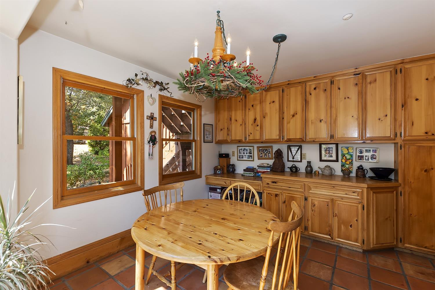 1601 Grass Valley Road Property Photo 17