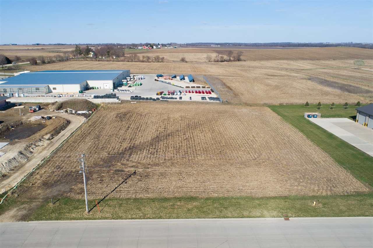 N 13 Property Photo - Manchester, IA real estate listing