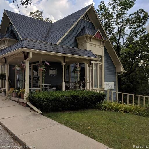 210 S EAST Street Property Photo - Brighton, MI real estate listing