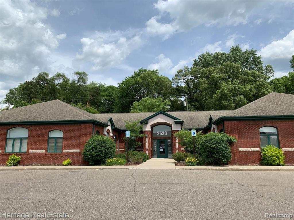 2633 S LAPEER Road Property Photo - Orion Twp, MI real estate listing