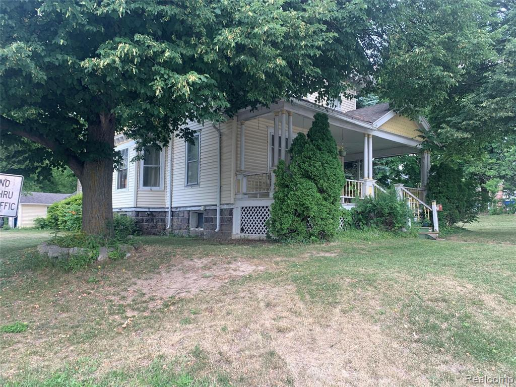 38 S MAIN Street Property Photo - Lapeer, MI real estate listing