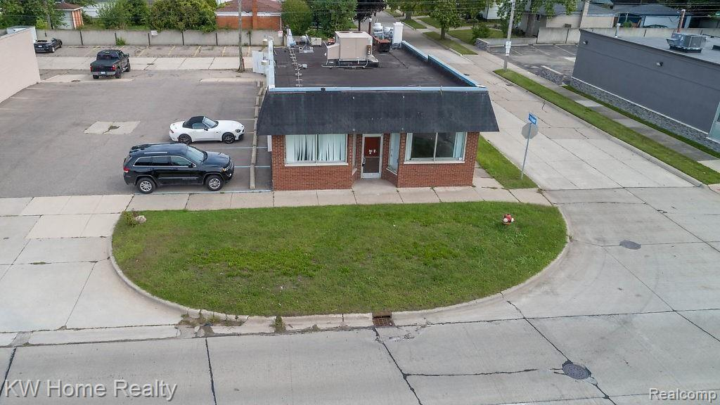 23700 Harper Avenue Property Photo