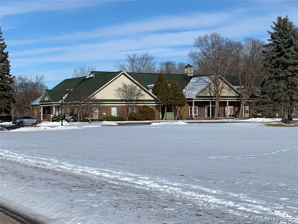 1370 N OAKLAND BLVD Property Photo - Waterford Twp, MI real estate listing