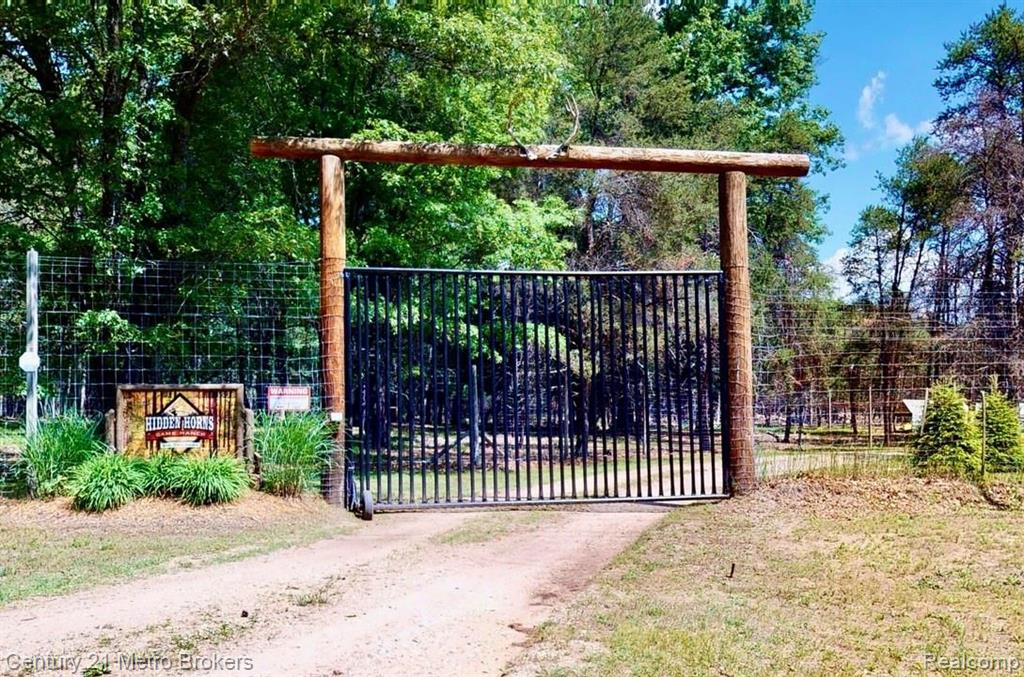 22440 W Cutler Road Property Photo