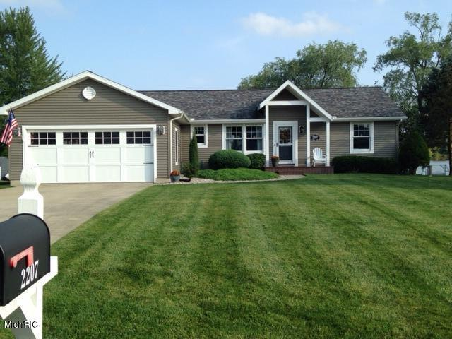 2207 MINDY LN Property Photo - AMBOY TWP WEST, MI real estate listing
