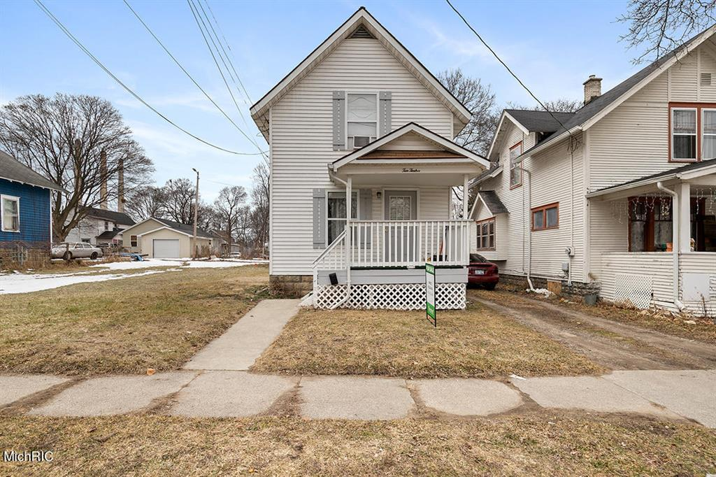 1012 Clear Street Property Photo - Lansing, MI real estate listing