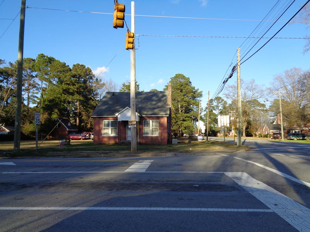 610 W First Street Property Photo - Ahoskie, NC real estate listing