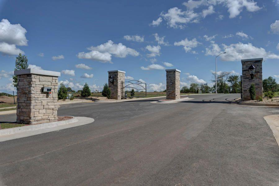 Lot 14 N Hickory Hills Boulevard Property Photo