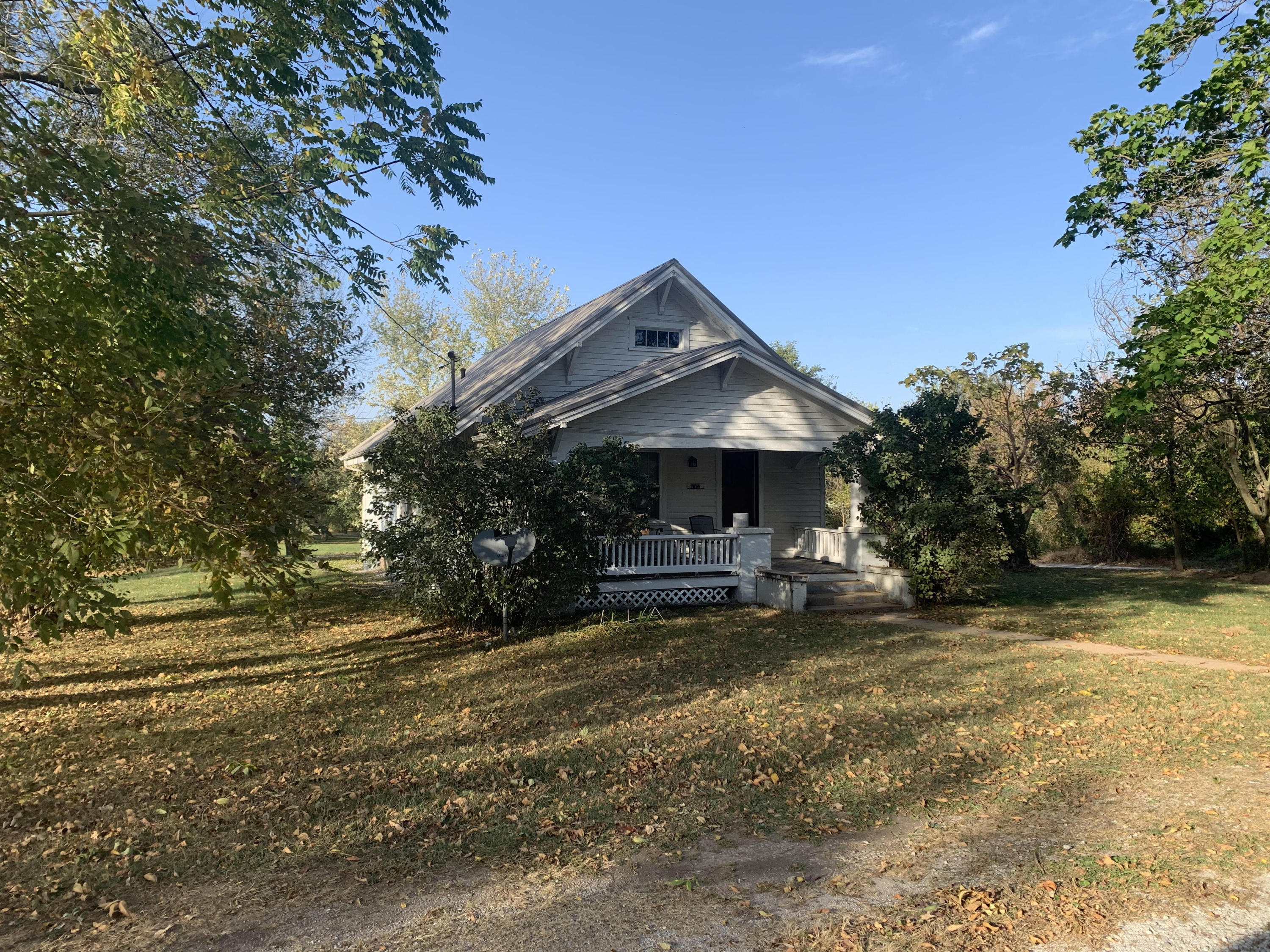 28319 Ellsworth Street Property Photo - Cross Timbers, MO real estate listing
