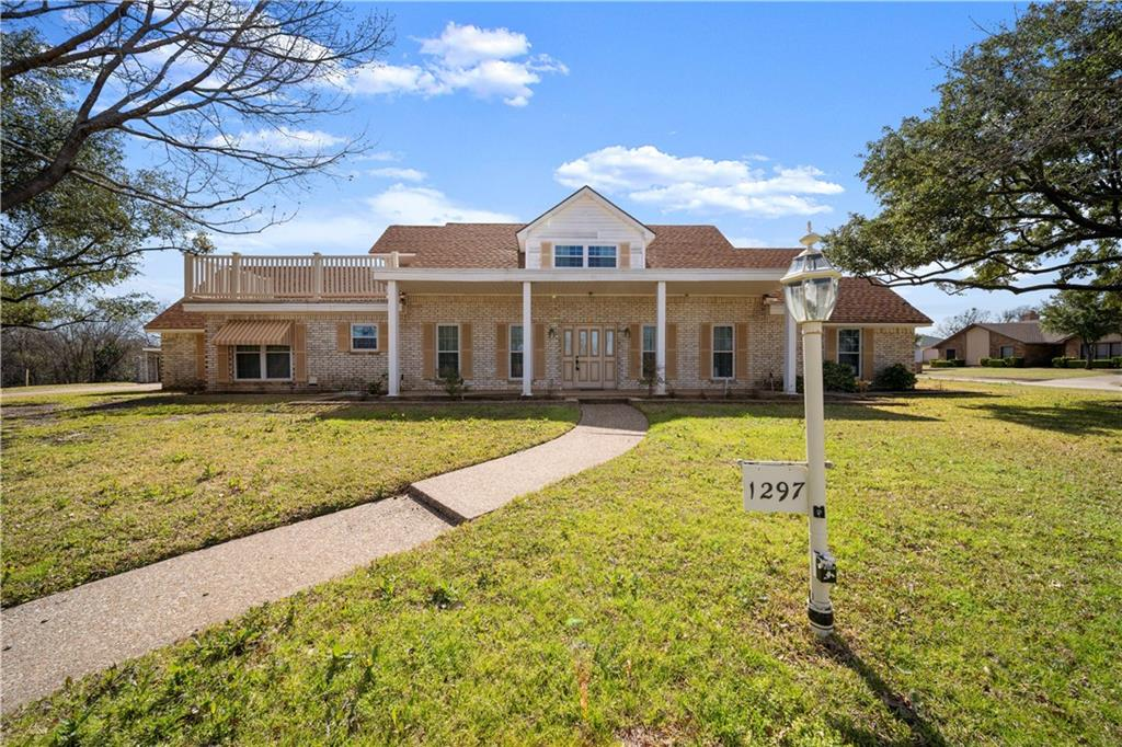 1297 Woodland West Drive Property Photo - Woodway, TX real estate listing